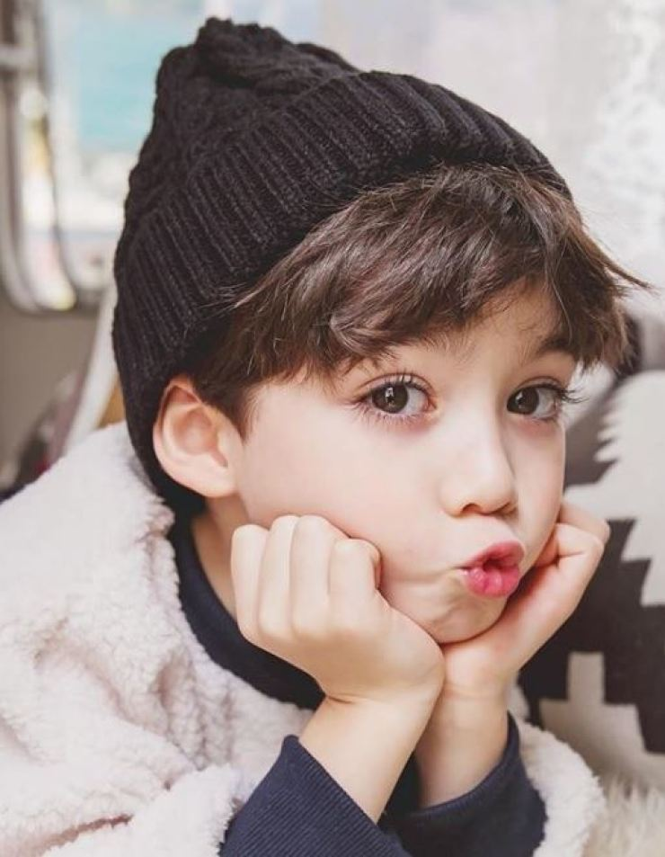 Cooper Jian Lunde, 5, is a popular child model. Capture from the Instagram of 'laurencooper0813'