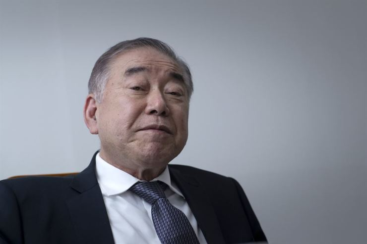 Moon Chung-in, a special presidential adviser for national security, unification and foreign affairs listens to questions during a recent interview with The Korea Times. Korea Times photo by Shim Hyun-chul