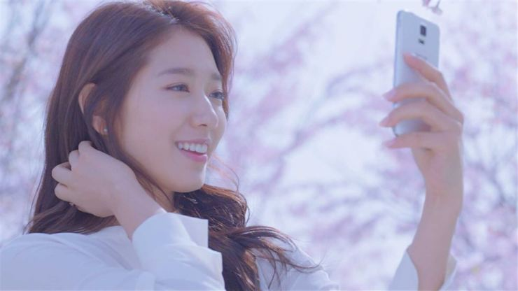 Park Shin-hye in a commercial for Mamonde from Amore Pacific. Korea Times file