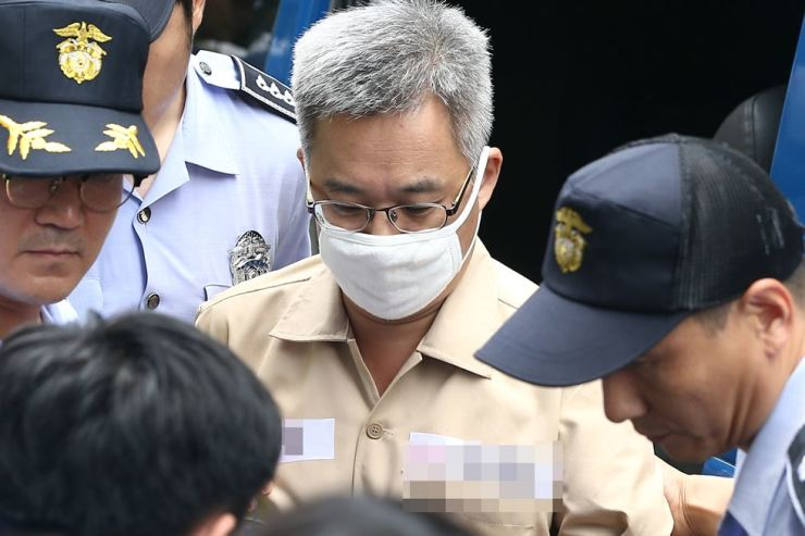 Kim Dong-won, better known by his online alias Druking, is called in for questioning by the special counsel at the prosecutors' office in Seoul, in this August file photo. Korea Times file