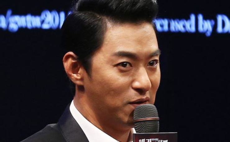Actor Joo Jin-mo has confirmed his relationship with a doctor. Yonhap