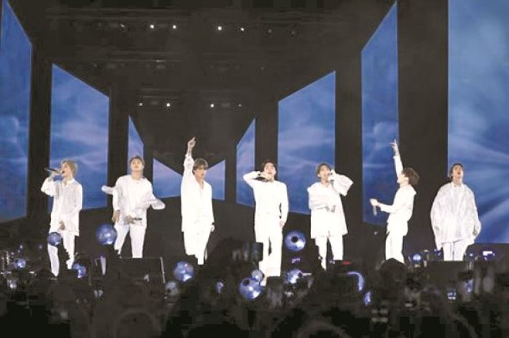 BTS members perform at Citi Field in New York in this 2018 file photo. Korea Times file