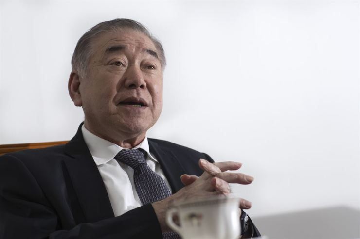 Moon Chung-in, President Moon Jae-in's special adviser for unification, diplomacy and security affairs, speaks during an interview with The Korea Times last Oct. 24. Korea Times photo by Shim Hyun-chul