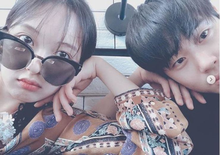 Actors Kim Bo-ra and Cho Byeong-kyu have been dating since February. Capture from Cho Byeong-kyu's Instagram