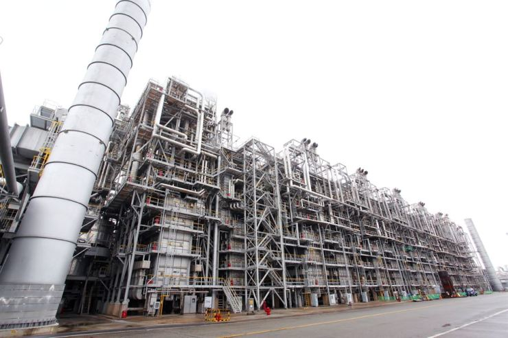 Seen is LG Chem's naphtha cracking center (NCC) plant in Yeosu, South Jeolla Province. / Courtesy of LG Chem