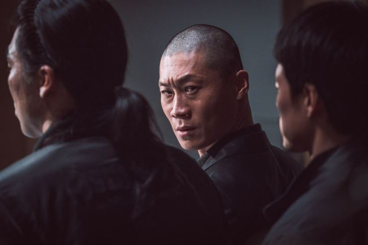 Jin Seon-kyu as cold-blooded gangster Wi Seong-rak in 'The Outlaws.' Provided to Hankook Ilbo