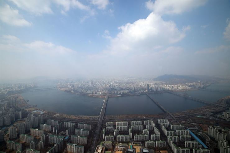 The view from Lotte World Tower's observation deck. Yonhap