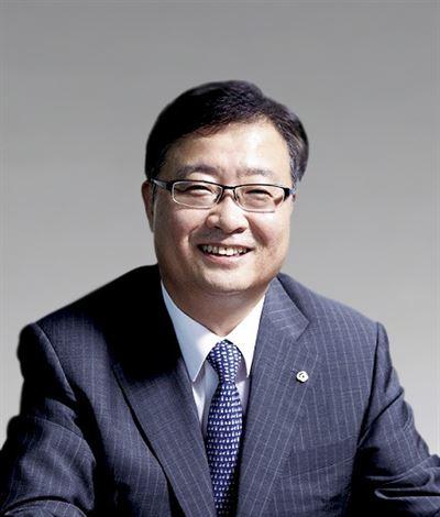 OCI Vice Chairman Lee Woo-hyun