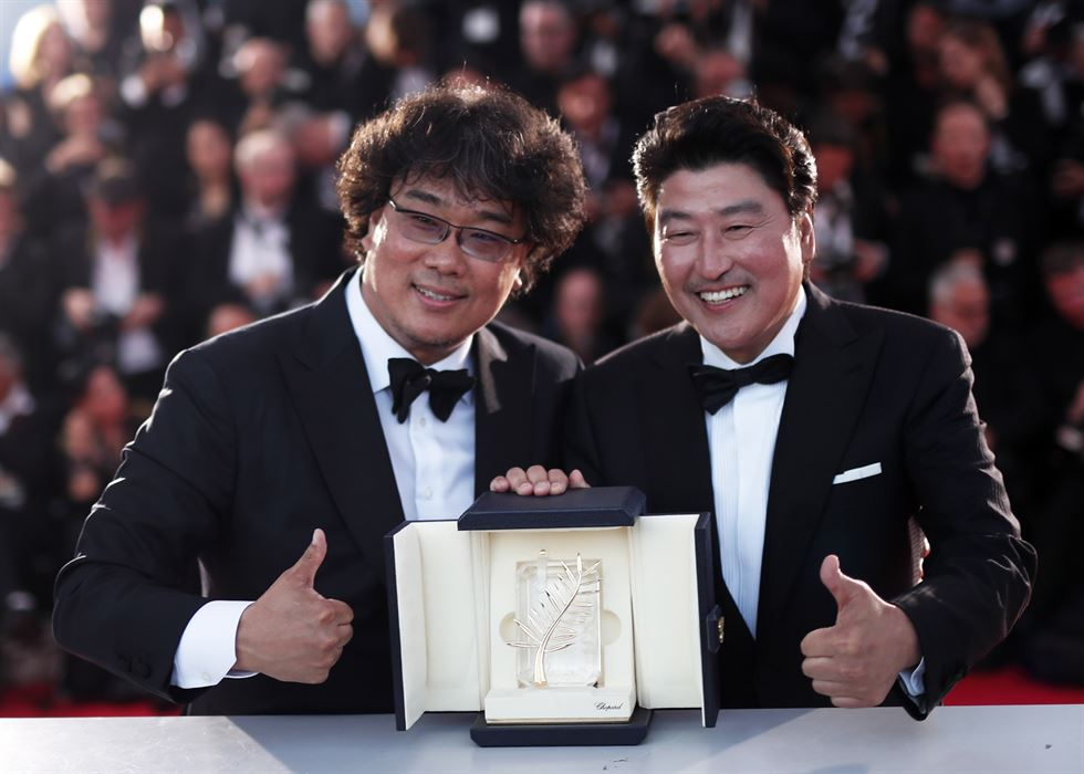 Director Bong Joon-ho wins Cannes' top prize with 'Parasite' [PHOTOS]