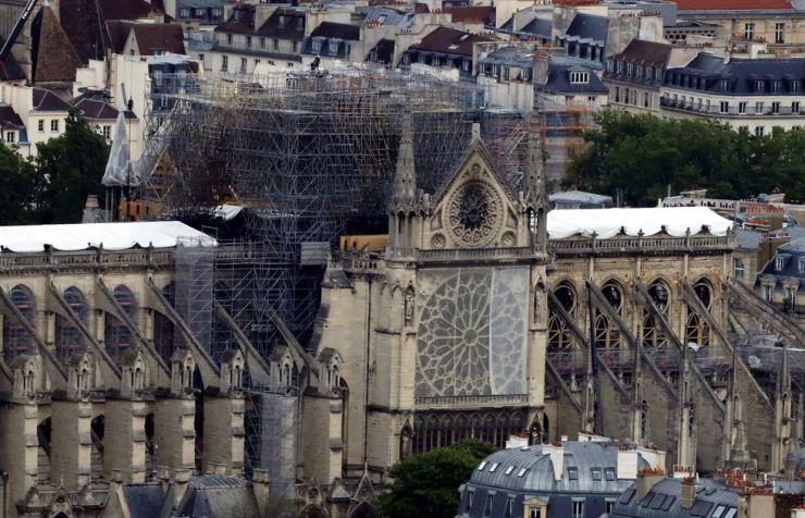 Notre-Dame Cathedral is seen following a massive fire that devastated large parts of the gothic structure. A French environmental NGO warned May 10 about air pollution and lead dust released into the air by the dramatic fire. Reuters-Yonhap
