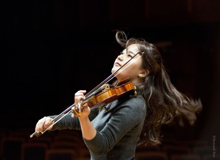 Violinist Lim Ji-young. Courtesy of Koo Bon-sook, Music and Art Company