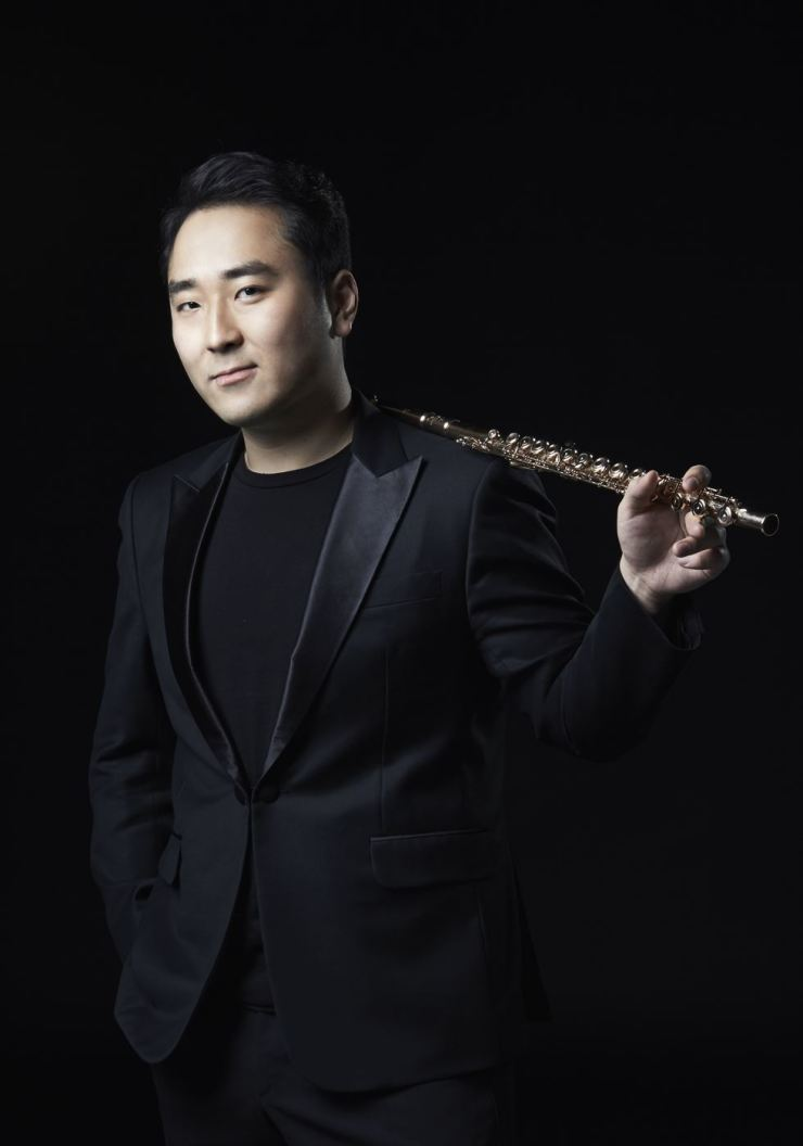 Flutist Cho Sung-hyun will be the next performer featured in this series. /Courtesy of Kumho Art Hall Yonsei