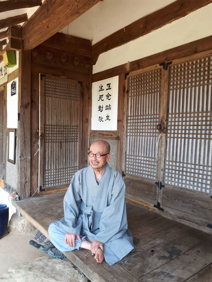 Ven. Jigaiya in a temple based in the southwestern waterfront city of Yeosu / Courtesy of Ven. Jigaiya