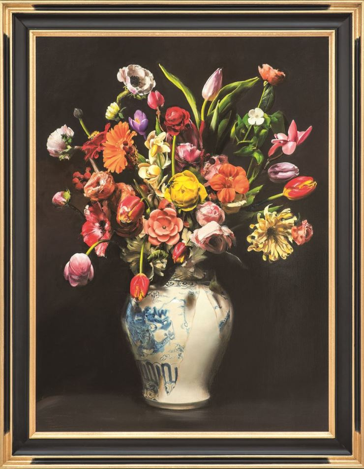 Kim Sung-yoon's 'Assorted Flowers in the White Porcelain Jar with a Blue Dragon' (2019) / Courtesy of the artist and Gallery Hyundai