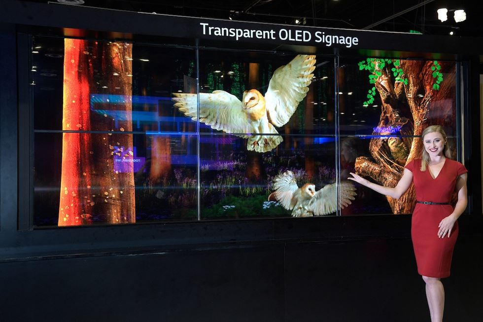 Samsung Electronics' outdoor LED display at One Times Square building / Courtesy of Samsung Electronics