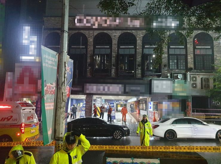 Seen is the building in Gwangju's Seo District, South Jeolla Province, where the second floor of a nightclub collapsed Friday. Yonhap