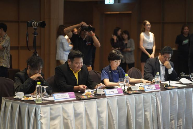 Judges for the 2020 FACE of Thailand. Courtesy of AMFOC