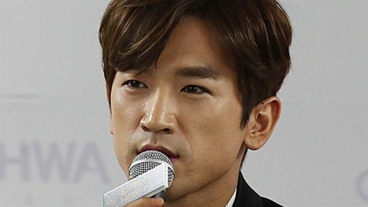 Lee Min-woo of K-pop boy band Shinhwa. Korea Times file