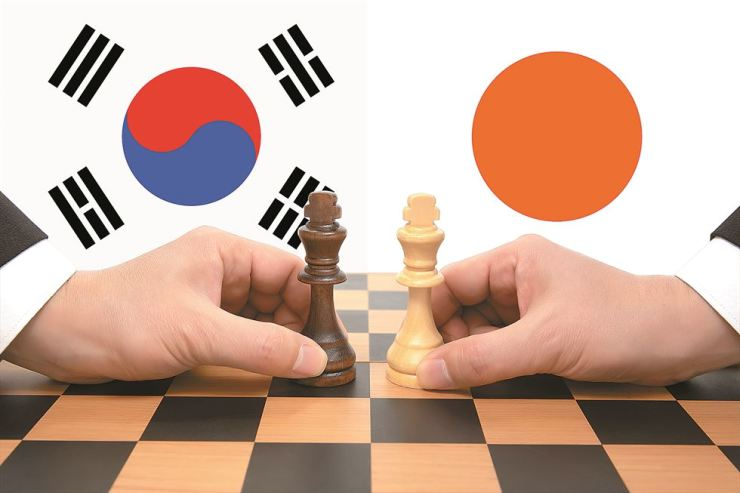 Japan, which has been in conflict with Korea over Korean victims forced to work in Japanese factories during World War II, decided to impose restrictions on exports to Korean companies of high-tech materials and chemicals used in semiconductor and smartphone production. / GettyImagesBank