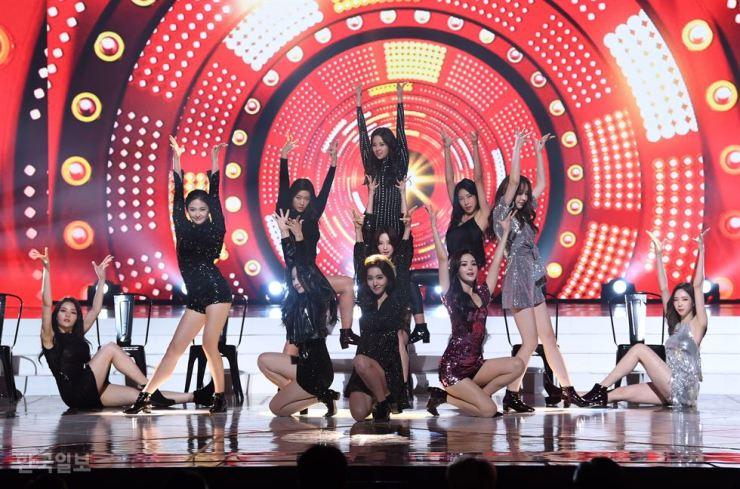Miss Korea contestants show off their many talents during Thursday night's event. Korea Times photo by Hong In-ki