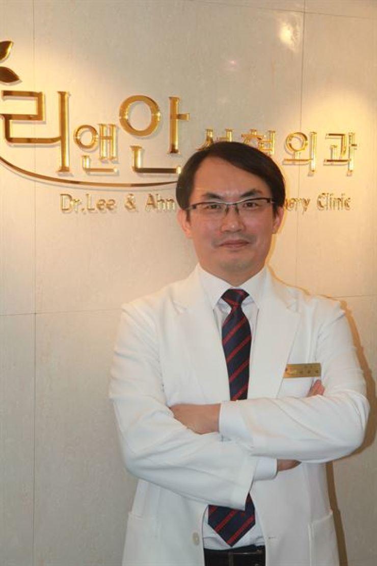 Ahn Joon-tae, the cosmetic surgeon at Lee& Ahn Cosmetic Clinic / Courtesy of Lee& Ahn Cosmetic Clinic