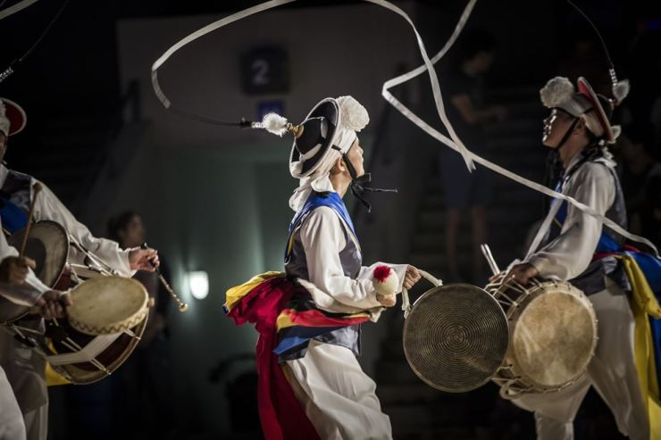 The National Gugak Center presents a special two-day open-air performance of traditional Korean music and folk culture on the evenings of Sept. 13 and 14 during the Chuseok holidays. Courtesy of National Gugak Center