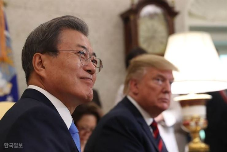 President Moon Jae-in and U.S. President Donald Trump will hold summit talks in New York late this month on the sidelines of a U.N. session. Korea Times file