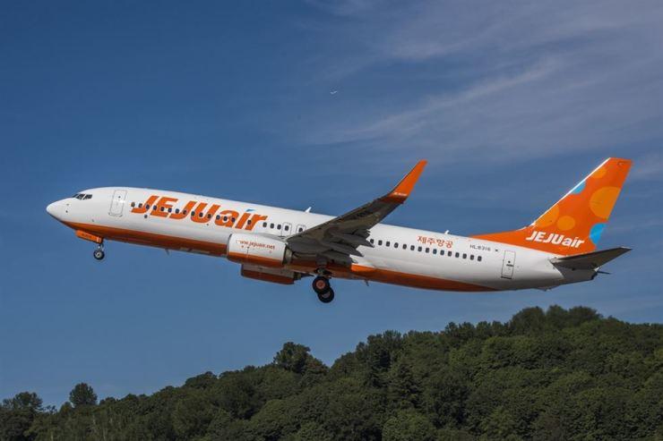 Jeju Air's B737-800