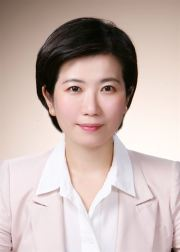 Choi Hwoa-in, an adviser to Financial Supervisory Service
