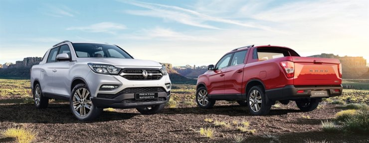 SsangYong Motor's Rexton Sports, left, and Rexton Sports Khan / Courtesy of SsangYong Motor