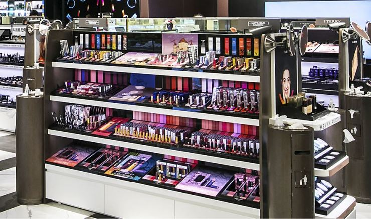 Scores of local cosmetics are displayed at a department store in Seoul. Korea Times file