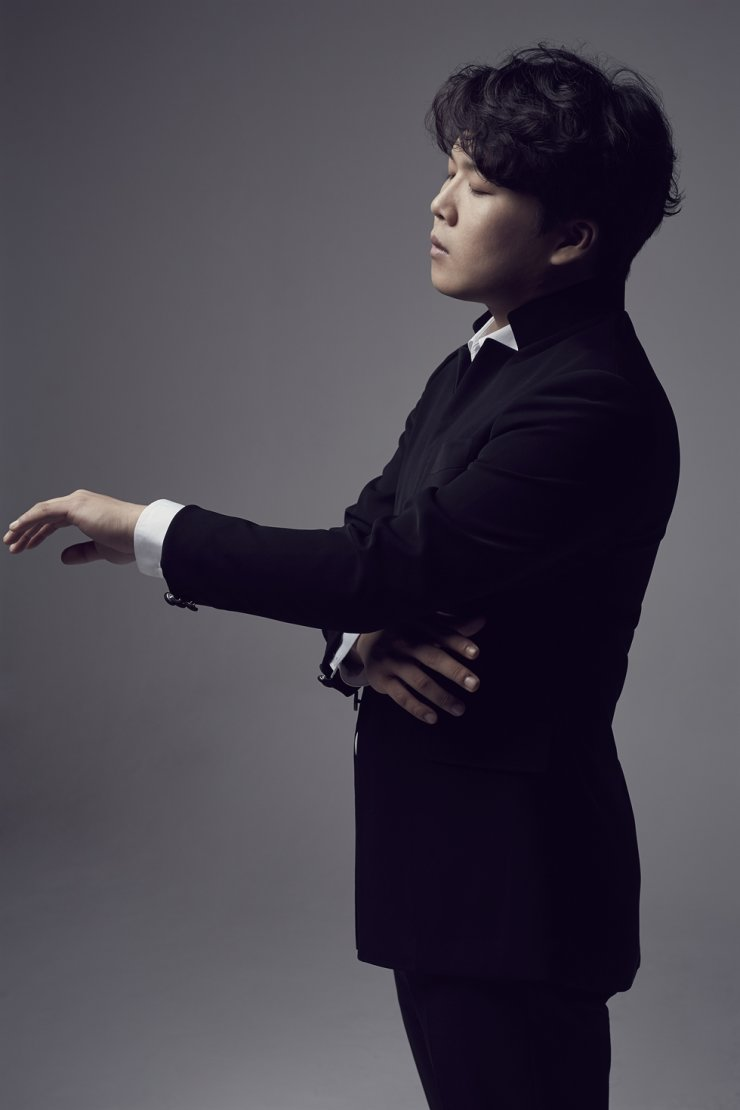 Pianist Park Jong-hai will be the next performer featured in this series./Courtesy of Kumho Art Hall ⓒ Lee San-wook