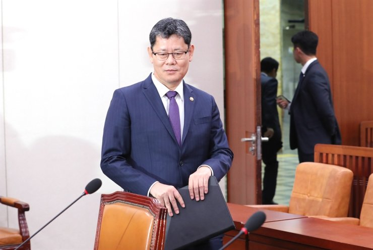 Unification Minister Kim Yeon-chul attends a National Assembly Diplomacy and Unification Committee meeting at the Assembly in Seoul, Friday. Yonhap