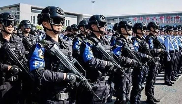 More than 1,000 police officers took part in the anti-terror drill in Zhuhai. South China Morning Post