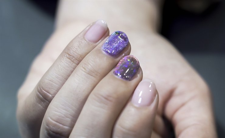 Park forecast magnet nails as a trend for this season. Korea Times photo by Lee Min-young, Kim Kang-min