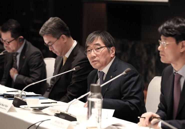 Financial Supervisory Service (FSS) Governor Yoon Suk-heun speaks during a meeting with the heads of foreign financial firms here at the Conrad Hotel on Yeouido, Seoul, Monday. / Courtesy of FSS