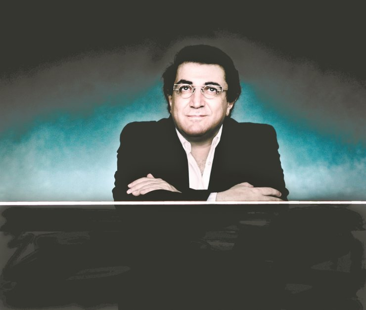 Pianist Sergei Babayan will be the next performer featured in the Beautiful Thursday series./Courtesy of Kumho Art Hall Yonsei ⓒ Marco Borggreve