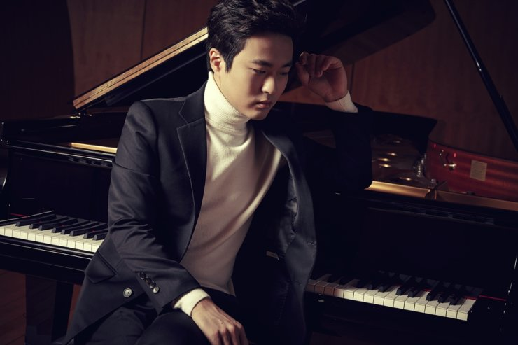 Pianist Kim Da-sol will be the next performer featured in the Beautiful Thursday Concert Series./Courtesy of Kumho Art Hall ⓒ Park Ji-no