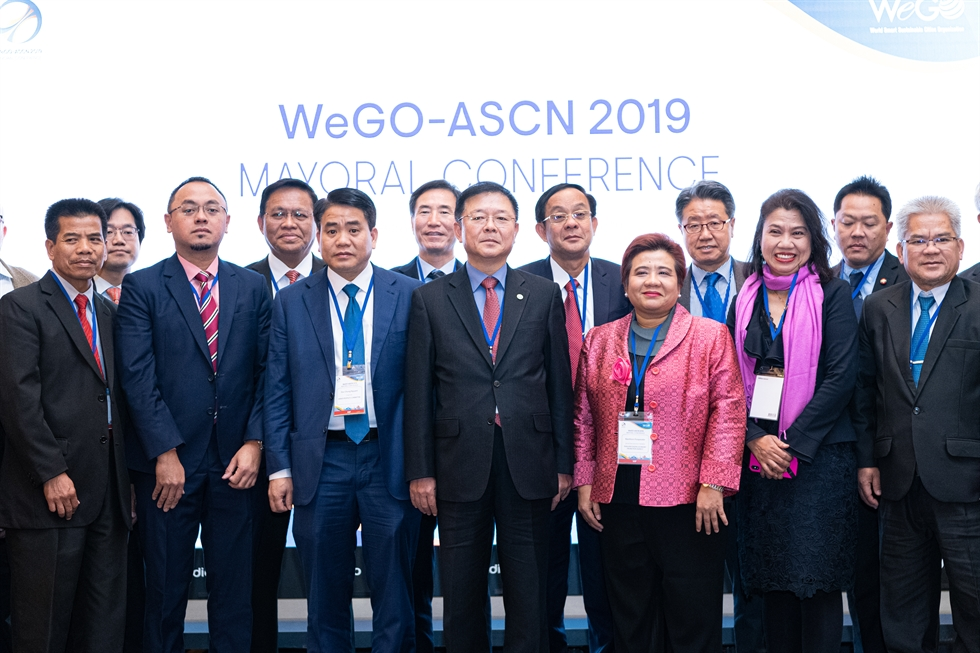 Philip Bane, Managing Director of the Washington, D.C.-based Smart Cities Council, delivers a keynote speech at the WeGO-ASCN 2019 Mayoral Conference at the Grand Hilton Seoul in the city's Seodaemun District, Nov. 21. Courtesy of WeGO