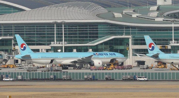 Korean Air airplanes at Incheon International Airport / Yonhap