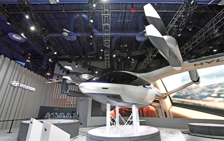 Seen above is a mockup of Hyundai Motor's S-A1 electric vertical take-off and landing (eVTOL) aircraft displayed at the Consumer Electronics Show in Las Vegas, Jan. 7 (Korea Standard Time). Courtesy of Hyundai Motor