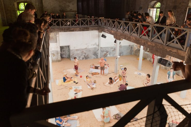 'Sun & Sea (Marina),' the Golden Lion-winning installation by Rugile Barzdziukaite, Vaiva Grainyte and Lina Lapelyte from last year's Venice Biennale, will come to the National Museum of Modern and Contemporary Art, Seoul in July. Courtesy of MMCA