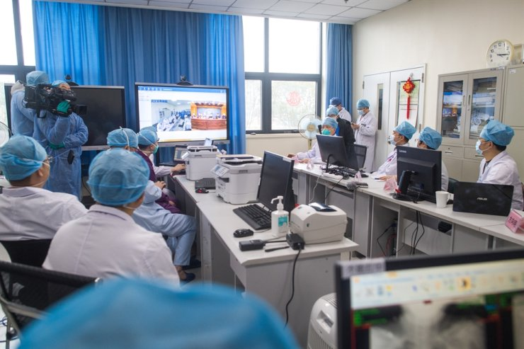 Photo taken on Feb. 11, 2020 shows the site of a teleconsultation at the west campus of Wuhan Union Hospital in Wuhan, central China's Hubei Province. Xinhua-Yonhap