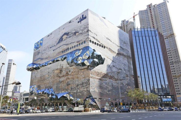 The Galleria department store in Gwanggyo, in Suwon, Gyeonggi Province. / Courtesy of Hanwha Galleria