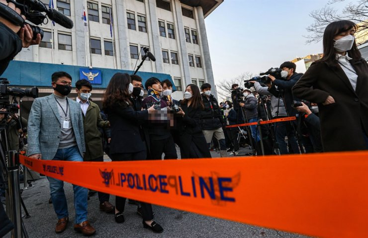 The amount of money Cho has gained from his alleged crimes is yet to be investigated. Korea Times photo by Shim Hyun-chul