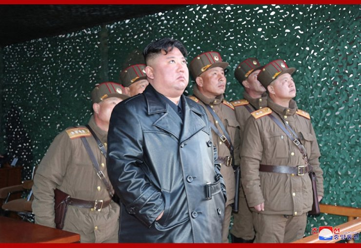 North Korean leader Kim Jong-un is not expected to accept an offer from U.S. President Donald Trump to help Pyongyang combat the coronavirus pandemic, without Washington's sanctions relief. / Korea Times file