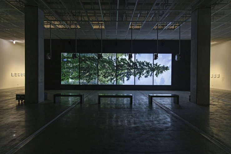 Eija-Liisa Ahtila's 'Horizontal ― Vaakasuora' (2011) is on display at 'Axis of Horizon' at the National Museum of Modern and Contemporary Art (MMCA), Seoul. Courtesy of MMCA
