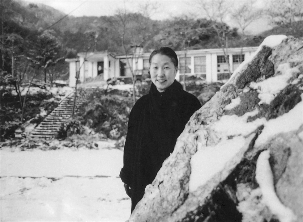 Kim Myong-hi's 'Drinking Tea' (2004) / Courtesy of artist and Art Projects International, New York