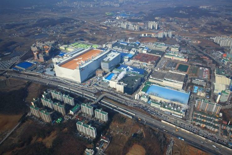 An aerial view of the SK hynix plant in Icheon, Gyeonggi Province / Courtesy of SK hynix