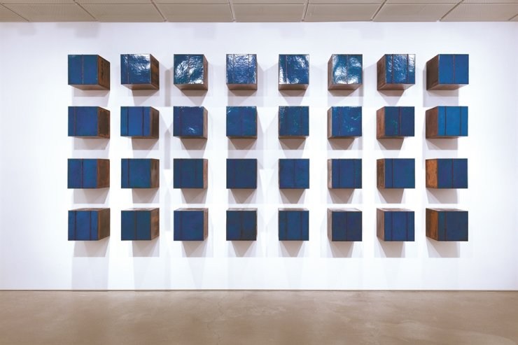 Lee Kwang-ho's enameled copper artwork 'Composition in Blue' is on view at Leeahn Gallery Seoul through July 31. Courtesy of the artist and Leeahn Gallery